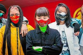 El mallorquín Álex Delgado participa en la creación de mascarillas antirracismo