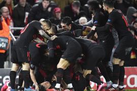 Llorente y Oblak clasifican al Atlético en la prórroga ante el Liverpool
