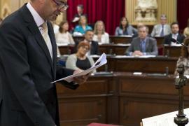 Rotger cree que en próximos años se deberá recortar el número de diputados