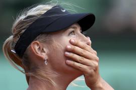 Sharapova recupera el número uno y jugará contra Errani su primera final en París