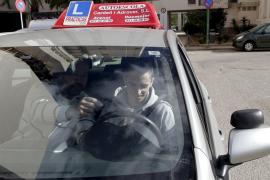 Los exámenes de conducir se suspenden temporalmente en toda España