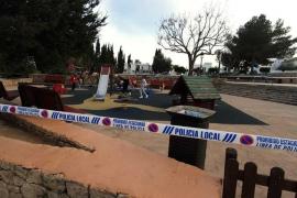 La Policía Local dispersa a un grupo de menores que se encontraban en un parque precintado
