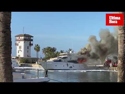 Incendio en un yate atracado en Puerto Portals