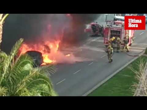 Un pirómano prende fuego a un contenedor en General Riera a plena luz del día