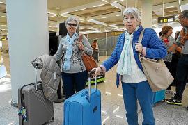 Los turistas del Imserso adelantan su regreso a la Península por seguridad