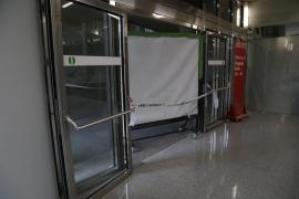 Un hombre fallece tras precipitarse en el aeropuerto de Palma.