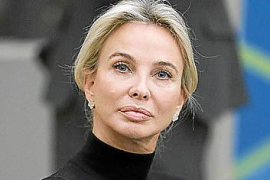 Corinna Larsen.
