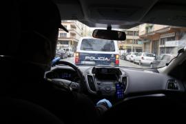 La policía sanciona a un joven por perseguir a una mujer en Manacor y toserle en la cara