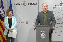 Pilar Costa y Vicent Marí durante la rueda de prensa en de ayer