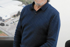 Fernando Luz: «Es absurdo, en España y en Europa sobra papel higiénico»