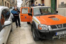 Los ayuntamientos de Mallorca refuerzan los servicios sociales y reparten comida a domicilio