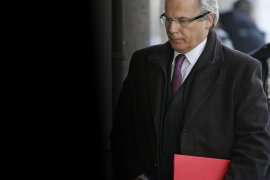 El Supremo aprueba juzgar a Garzón por investigar el franquismo