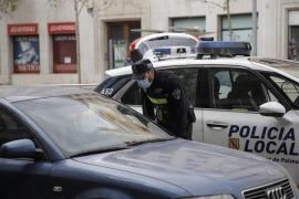 La Policía detiene en Palma a tres hombres por desobedecer el confinamiento