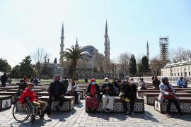 Al menos 20 muertos en Turquía por beber alcohol adulterado contra el coronavirus
