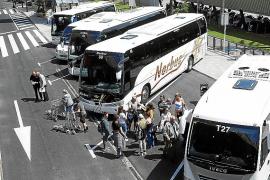 El parón de actividad deja en las cocheras a 1.800 buses