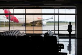 Exteriores urge a los viajeros en países con conexiones aéreas que regresen ya