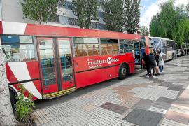 El uso del transporte público ha descendido este viernes en Baleares un 90%