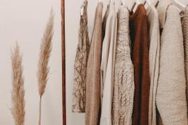 Qué hacer con la ropa con la que sales a la calle para no contagiarte de COVID-19