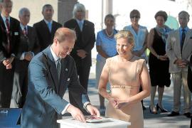 Los gibraltareños celebran la visita del príncipe Eduardo, rechazada por España
