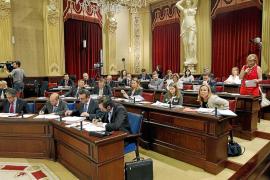 El Parlament vota hoy la ley que rebaja la exigencia del catalán con la mirada puesta en Pastor