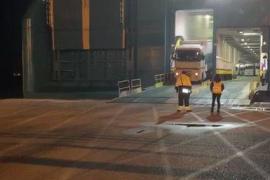 Homenaje del Govern a los transportistas de mercancías, otro sector en riesgo