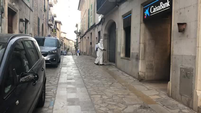 Desinfectan Montuïri al ritmo de los 'Cazafantasmas'