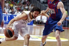 La velocidad del Madrid parte al Barcelona y le acerca al título