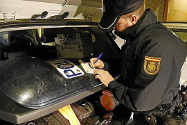 La Policía Nacional cierra un bar en Son Cladera