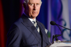 El príncipe Carlos de Inglaterra, positivo en coronavirus