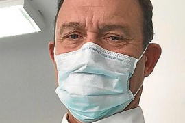 El doctor Kostan Doganis, del centro de salud de Camp Redó