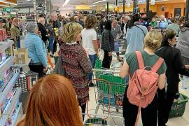 Los supermercados de Baleares están vendiendo hasta un 30 % más de lo habitual