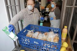 Comedor de los Caputxins: «Con el estado de alarma vienen menos mujeres»