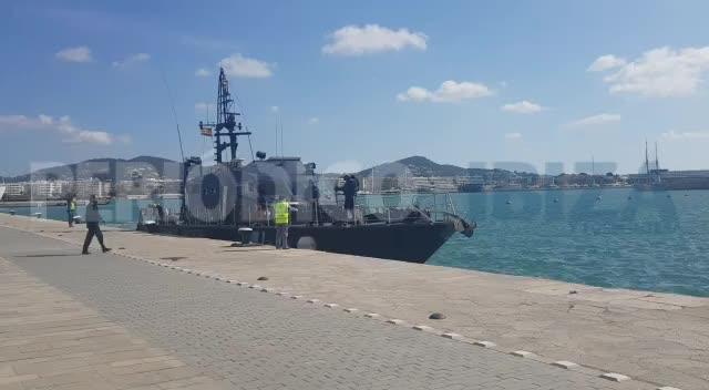 Aduanas intercepta en aguas de Baleares un barco cargado con miles de kilos de hachís