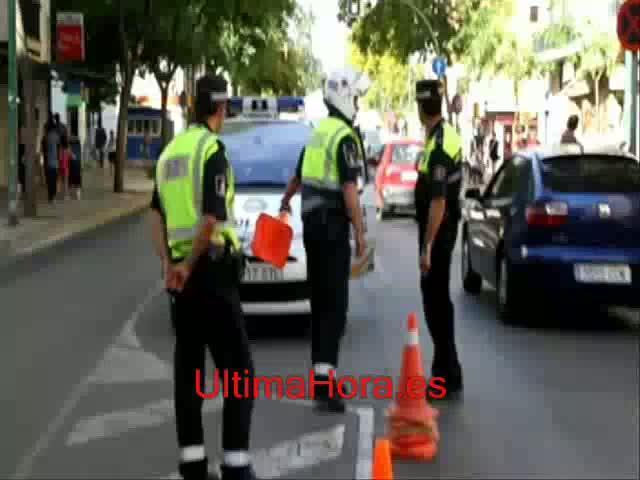 Policía Local y CNP 'toman' Son Gotleu en un macro control de seguridad