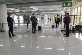 Blindaje policial de Son Sant Joan frente al coronavirus