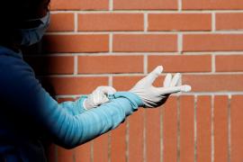 Emaya pide a la palmesanos que no tiren los guantes al suelo