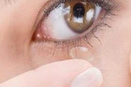 Así debes usar las lentillas para no contagiarte de coronavirus