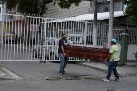 El drama de Guayaquil: Dejan cadáveres en las calles por la crisis del coronavirus