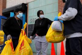 EEUU sopesa instar al uso de mascarillas con casi 250.000 contagios