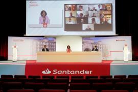 Ana Botín: «Los bancos somos parte de la solución»