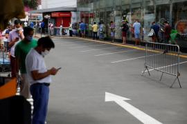 Al menos 21 muertos en Perú por ingerir un licor que supuestamente prevenía la COVID-19