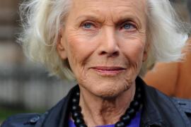 Fallece la actriz Honor Blackman, «chica Bond» y estrella de la serie «Los Vengadores»