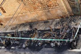 Buscan al pirómano que quemó nueve motos y un coche en Sóller