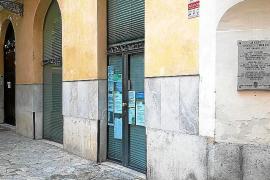 Buscan a un hombre que atracó a punta de cuchillo una farmacia en Palma