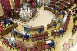 Los partidos de la oposición rompen la tregua y cargan contra la gestión del Govern