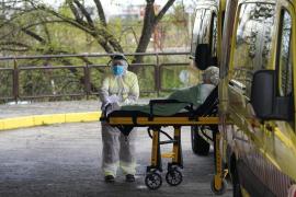 El número de hospitalizados no ha bajado tanto como Sanidad esperaba