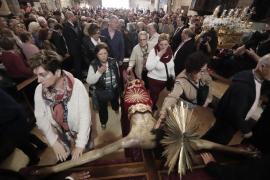 Los prohombres de La Sang lamentan la suspensión del Davallament del Sant Crist