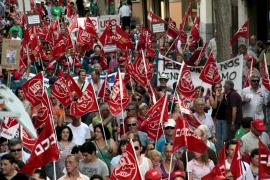 Alrededor de 1.300 personas claman en Palma 'No calles, defiende tus derechos'