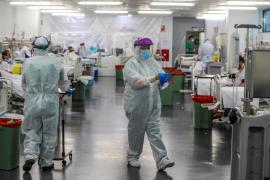 Continúan a la baja las muertes por la COVID-19 en España
