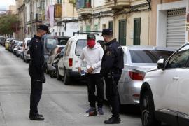 La policía blinda La Soledat para que no sea el nuevo Son Banya en la cuarentena